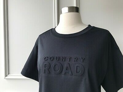 AU35 • Buy | COUNTRY ROAD | Modern Embossed Logo T-shirt Black | NEW | SIZE: XS,S,M |