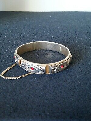 £2 • Buy Vintage Gold Tone And Red Crystals Hinged Bracelet With Safety Chain