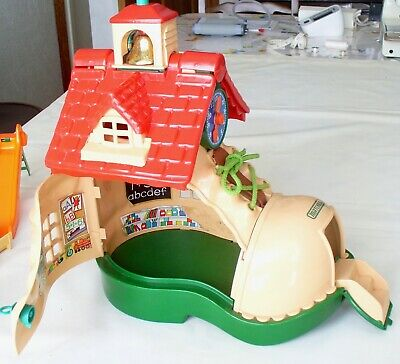 £10 • Buy Vintage Matchbox Boot / Shoe School House With Accessories & Figures 1983