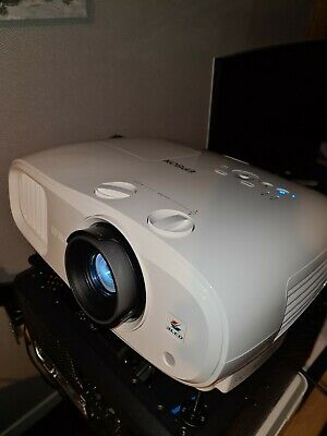 AU1627.89 • Buy Epson EH-TW7000 4K HDR 3PCD Projector
