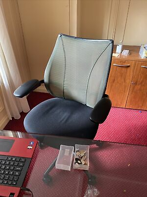 £75 • Buy Humanscale Office Chair