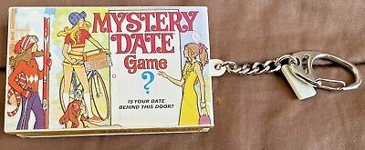 $13.78 • Buy Mini Mystery Date Board Game Keychain Incl. Dice Board & Cards