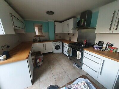 £50 • Buy Used White Fitted Kitten With Solid Beech Worktop