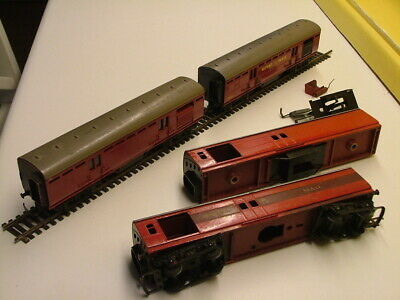 £9.99 • Buy 4x Vintage Triang Hornby OO Gauge R23 Operating Royal Mail Carriages - 2 Working