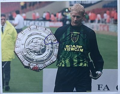 Peter Schmeichel Image B Hand Signed 10x8 Photo UACC Registered Dealer AFTAL • 67.99£