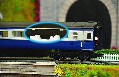 Model Railway Coach Lighting - Easy Fit With No Wiring - Cool White OO Gauge • 20£