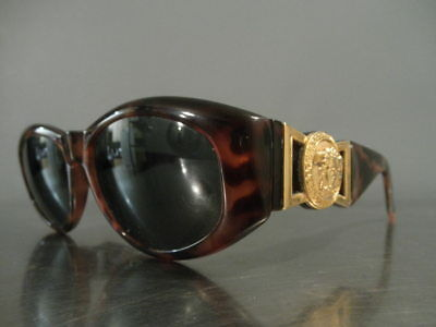 bdbd4bbee0 Preowned Authentic Gianni Versace Sunglasses MOD.424 COL.869 OD • 285.00