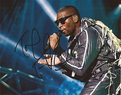 MUSIC: TINIE TEMPAH SIGNED 10x8 ACTION PHOTO+COA *DEMONSTRATION* *TRAMPOLINE* • 24.99£