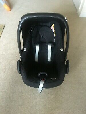Maxi-Cosi Pebble Baby Car Seat, Adapters, Rain Cover. Missing Back Cushion.  • 40£