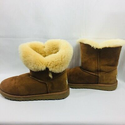 3b6f393c46c ugg bailey button size 6