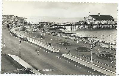 KENT - HERNE BAY, PIER & PROMENADE  Real Photo Postcard*   • 2.50£