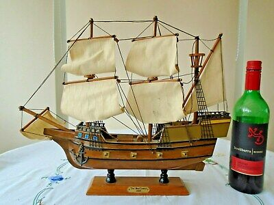 VINTAGE MODEL WOODEN SAILING SHIP THE MAYFLOWER 1620 ON STAND 18.5 Inches • 29.99£