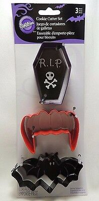 Wilton Metal Halloween Cookie Cutters Set 3 Bat Vampire Teeth Coffin 2308-0559 • 4.59£
