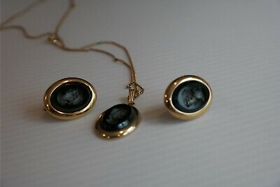 #118 Vintage 1970  Sarah Coventry  Mignight Cameo  Necklace And Earrings  • 24.99$