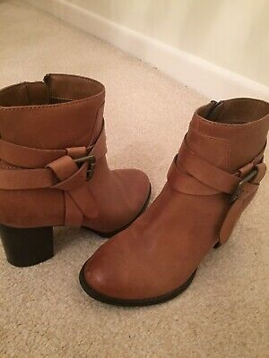 £10 • Buy Tan Red Herring Boots 4 Barely Worn
