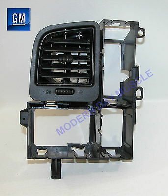 $31.59 • Buy 03-06 Silverado SS Driver Side Black Dash Air Outlet Vent NEW GM 732
