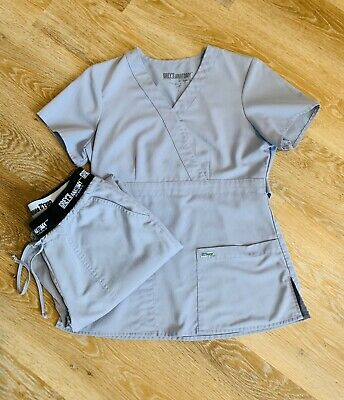 $28 • Buy Womens Greys Anatomy Barco Scrubs Top And Bottoms Small