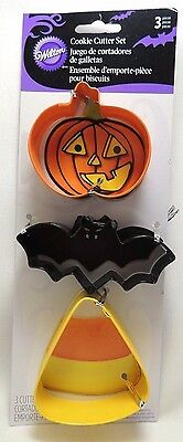 Wilton Metal Halloween Cookie Cutters Set Of 3 Bat Pumpkin Candy Corn 2308-0105 • 4.59£