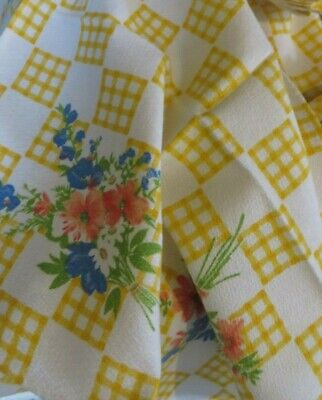CHARMING VINTAGE FRENCH COUNTRY FLORAL TABLE CLOTH  & TWELVE NAPKINS ~ 1950's • 24£