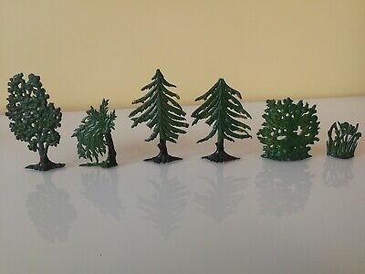 Johillco Farm , Garden    Various Bushes And Trees   Vintage Toy Lead Figures.  • 33£