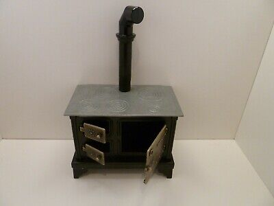 Dolls House Miniature 1:12th Scale Kitchen Metal Old Fashioned Style Black Stove • 20.69£