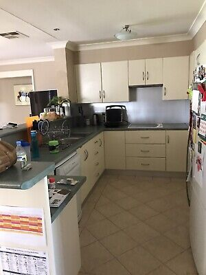 AU800 • Buy Second Hand Kitchen Including Appliances Great Condition.