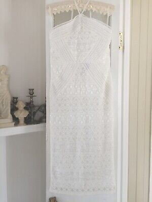 AU10 • Buy Boohoo White Lace Formal Mid Length Dress Size 10 Or 12