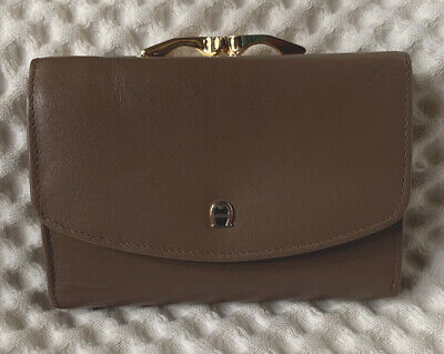 $18.50 • Buy Vintage 90s Etienne Aigner Brown Small Tri Fold Kiss Lock Wallet Coin Purse