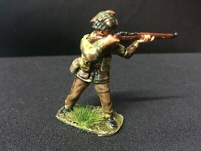 Airfix WWII British Paratrooper Rifleman, 1.32nd Scale,  Carefully Painted. • 3£