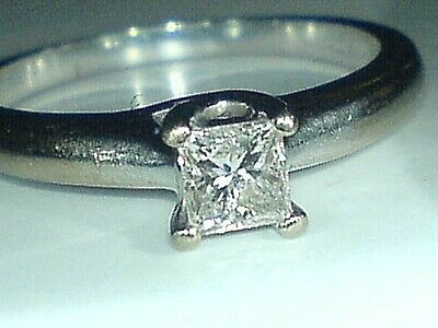 18ct  White Gold & 0.33 Carat Princess Diamond Solitaire Engagement Ring Size N • 395£