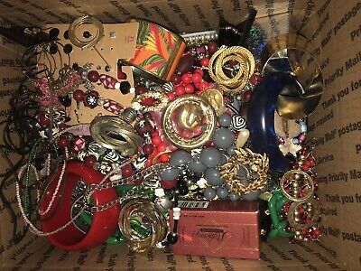 $ CDN33.96 • Buy 11+Pounds Vintage To Mod Lots Of Wearable And Broken For Crafts Med Flat Rate #1
