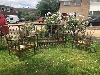 Mid-Century Ercol-Style, Windsor Cottage Suite • 50£