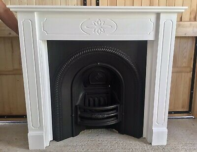 Victorian Style Arched Cast Iron Fireplace & Lovely Surround • 250£