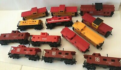 $ CDN57.91 • Buy Model Railroad Trains HO Scale Freight Cars Lot 13 Cabooses Bachmann Tyco Life
