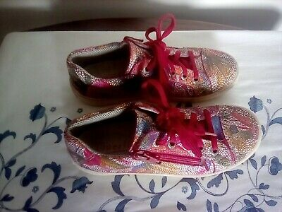 £6.50 • Buy Superfit Girls Trainers Size 32.