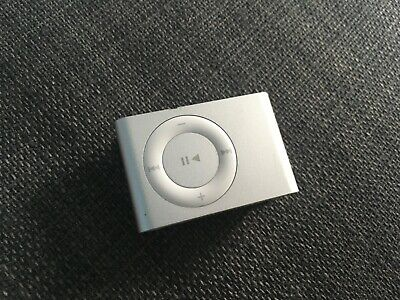 IPod Shuffle 2nd Generation Silver  (NEED NEW BATTERY) PLEASE READ DESCRIPTION • 6£