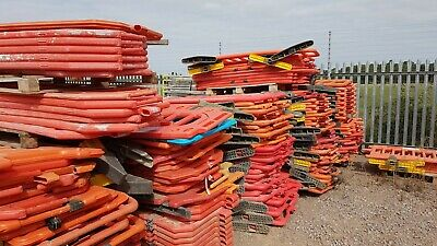 2 Meter Road Barrier - Traffic Management Pro Barriers Orange - Mixed Types • 17.50£