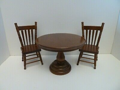 Dolls House Miniature 1:12th Kitchen Dining Round Walnut Table & 2 Chairs Set • 18.14£