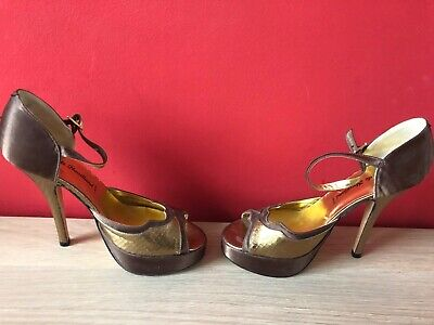 Authentic Genuine Terry De Havilland Gold Leather Size 4 Perfect Condition • 54£
