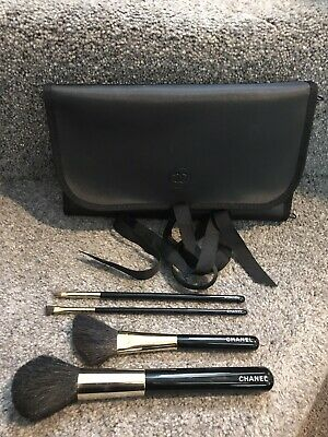 BNWOT Chanel Make Up Brushes In Black Wrap Holder • 99.95£