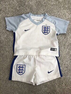 Nike England Football Kit 2016 Size 3-6 Months Worn A Couple Times • 15.10£