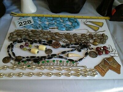 Jewellery Joblot Bundle Vintage And Modern Costume Jewellery. • 6£