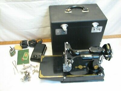 $399.99 • Buy Vintage Singer Featherweight Quilting Sewing Machine 1939 221 Portable W/Case