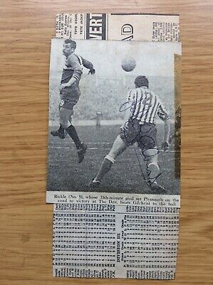John Gilchrist & Ronnie Howell Millwall F.C. Signed Photos Fulham Autograph • 0.99£