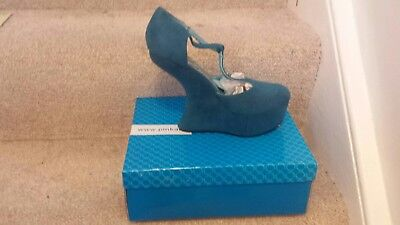 Shoes Size 5 - Curved Wedge Heel Aqua Suede By Jennika - BRAND NEW IN BOX • 10£