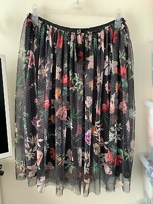 BNWT Atmosphere Floral Netted Skirt Size 20 • 8£
