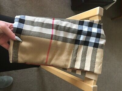 Brand New Burberry Scarf, 100% Cashmere And Never Worn, Tags Still Attached • 80£