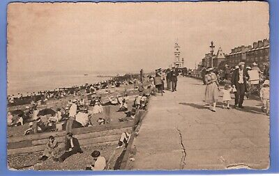 UNUSUAL 1915c FOLK ON THE PROMENADE HERNE BAY KENT VINTAGE POSTCARD  • 0.99£