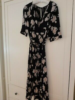Pretty Floral Tea Dress, Size 16 By Atmosphere. • 2£