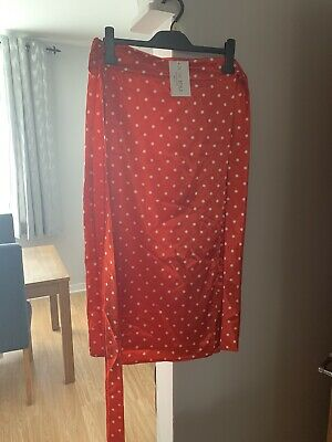 In The Style Red Polka Dot Silk Wrap Skirt • 2.30£